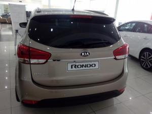 Kia Rondo đẳng cấp vượt trội CTKM lớn nhất trong năm, giá chỉ 690 triệu