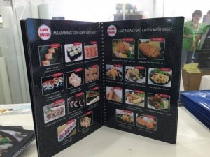 In menu nhà hàng, in menu nhựa cao cấp thực hiện bởi In Thực Đơn | Loại hình in: in menu cuốn, menu nhựa, đóng gáy lò xo