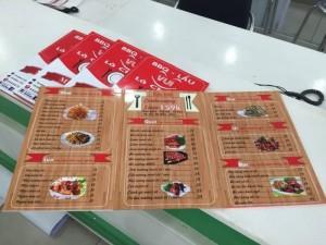 In menu quán lẩu với chất liệu PP cán format chống nước