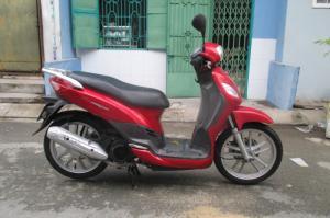 Xe Sym Phony 125cc của hãng SYM, màu đỏ bstp
