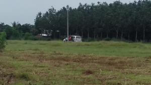 Lô đất 450m2 mặt tiền đường 32m tại ngã 3 Thái Lan giá bèo