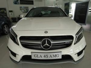 Bán Mercedes GLA45 4Matic AMG 2016 màu trắng nội thất đỏ đen