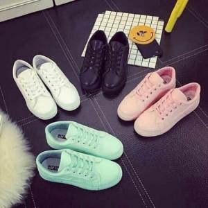 Giày buộc dây nhiều màu