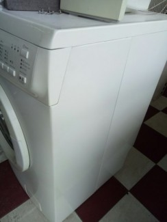Máy giặt elextrolux 7kg cửa ngang EWF 8576