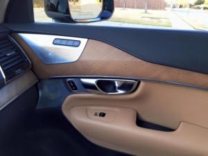 Bán xe Volvo XC90 2016 màu đen nội thất da bò .