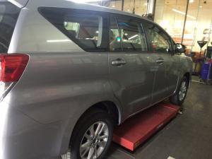 Toyota Innova 2018 số sàn màu xám mới đã có mặt tại Đại lý Toyota 100% vốn Nhật - Toyota An Thành Fukushima, gọi đến 0982 100 120 để đặt lịch xem xe, lái thử xe Innova