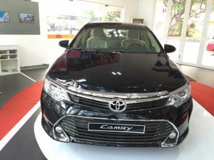 Ưu Đãi Lớn Toyota Camry 2.0E 2017 màu đen, Mua Trả Góp chỉ cần 360Tr