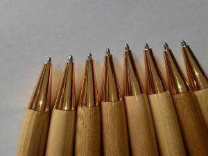 Bút bi gỗ làm quà tặng thầy cô giáo