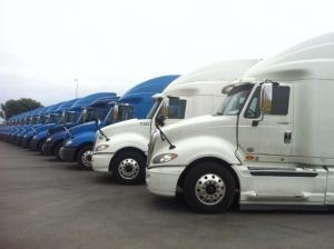 Đầu kéo mỹ Maxxfocre 13 do Ô tô Tân Phúc nhập khẩu và phân phối các loại xe