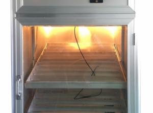 MÁY ẤP TRỨNG GÀ 200 TRỨNG Giá : 3.600.000 VNĐ máy ấp trứng gà 200 trứng mã số SG200 sản xuất theo công nghệ Hàn Quốc, tự động đảo trứng, tỷ lệ nở cao, dễ sử dụng, thân thiện với bà con