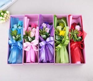 Quà tặng Đáng Yêu Hoa Hồng Sáp 5 Bông Sắc Màu - MSN1831025