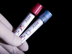 Chồng bị nhiễm HIV, làm thế nào để sinh con không bị nhiễm?