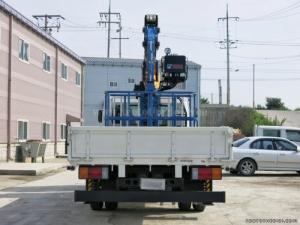 Bảng giá xe Hyundai tải gắn cẩu Unic V340 HD120 sức nâng 3,4 tấn, mới 100%