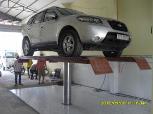 Tiệm rửa xe ô tô chuyên nghiệp khi không có...