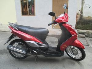 Xe Mio Ultimo màu đỏ dáng nhỏ xinh tiết kiệm nhiên liệu