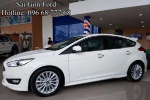 Khuyến mãi Ford Focus 1.5AT Sport (5 cửa) - Trả trước 150 triệu, giao xe ngay