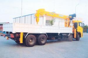 Xe tải Dongfeng gắn cẩu 10 tấn soosan