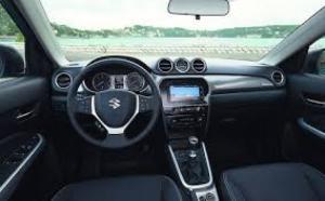 Cũng giống như thiết kế hầm hố bên ngoài của mình nội thất của SUZUKI NEW VITARA đã được chăn chút đảm bảo hài hòa mạnh mẽ và thể thao cả bên ngoài và bên trong xe.  Tiếp theo là nội thất và ngoại thất bên trong SUZUKI NEW VITARA  Ngoại thất của suzuki suzuki new vitara 2016 đã được làm mới lại giúp cho xe nhìn được năng động và thể thao hơn. Các đường nét cứng cáp trong thiết kế ngoại thất làm tăng sự cổ điển và thanh lịch đặc trưng của dòng sản phẩm này.