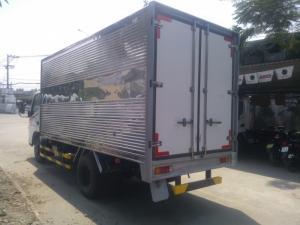 Xe tải Misubishi Fuso Canter 4.7 tải trọng 1T8 vào thành phố