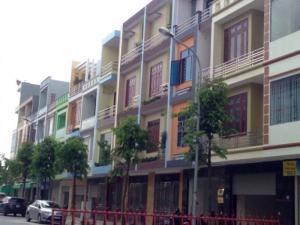 Bán nhà xây thô 3 tầng Petro Thăng long mặt đường Phan bá vành