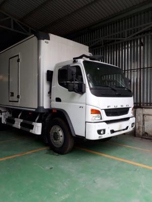 Xe tải Fuso 7.2 tấn thùng kín bảo ôn tiêu chuẩn châu Âu, hỗ trợ mua trả góp 80% giá xe