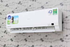 Máy lạnh Aqua AQA-KCRV12WGS 1.5 HP Inverter, Tặng phiếu giảm giá 500.000đ