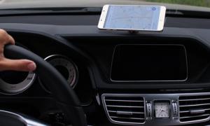 Giá đỡ điện thoại ô tô 2 in 1