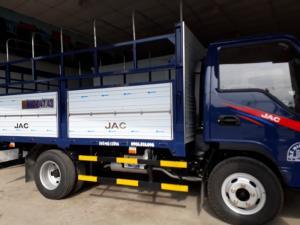 Xe tải JAC 2,4 tấn, vào thành phồ