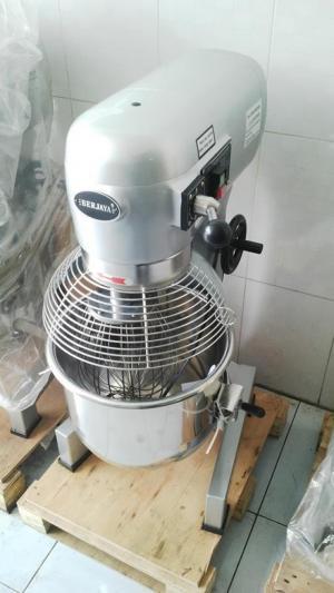 Máy trộn bột BM20 - Malaysia - có lồng bảo vệ