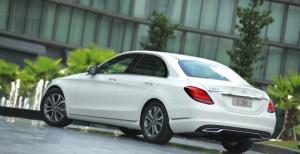 Mercedes C200 C250 Trắng-Kem vay NH 80% giá xe lãi suất ưu bao duyệt hồ sơ hỗ trợ 30% trc bạ