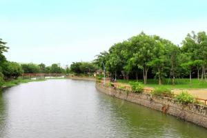 Sông vàm cỏ bao quanh dự án đem đến sự tươi mát và hoàn hảo,