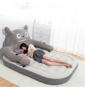 Với thiết kế đa năng vừa làm giường ngủ, vừa làm ghế sofa thư giãn, vô cùng tiện lợi.