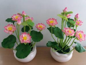 Hoa sen làm từ đất sét