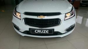 Bán Chevrolet Cruze LT 2017, đủ màu, có trả...