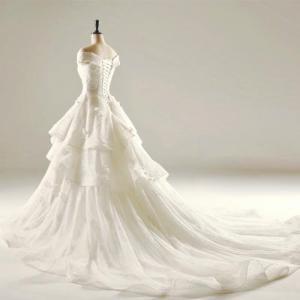 Công ty gửi thiệp cưới đi Mỹ, Gửi váy cưới đi Mỹ