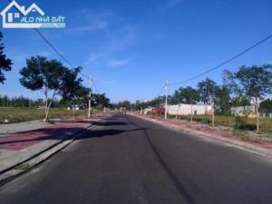 Đất đường 17.5m gần FPT, đối diện ĐH Đông Á