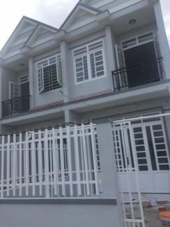 Nhà liên kế mới xây-DT-4m x 24m)-1 trệt-1 lầu-2 toilet-3 PN-820.000.000