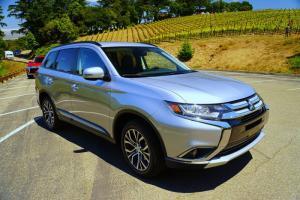 Mitsubishi Outlander All New nhập khẩu nguyên chiếc tại Nhật Bản -Khuyến mãi hấp dẫn