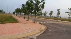 Bán đất biệt thự vị trí đẹp gần quảng trường thành phố.