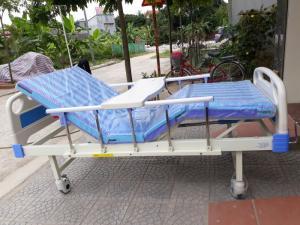 Giảm tới 27% Giường bệnh nhân đa năng 3 tay quay hỗ trợ người bại liệt, tai biến
