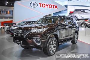 Toyota Fortuner 2017 mẫu mới từ Đại lý Toyota HCM 100% vốn Nhật - Toyota An Thành Fukushima, gọi ngay cho chúng tôi qua hotline 0982 100 120 - nhận tư vấn và các chương trình khuyến mãi, ưu đãi trả góp mới nhất
