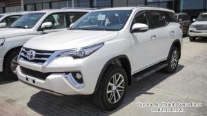 Đại lý Toyota Sài Gòn - Bán xe Toyota Fortuner máy xăng nhập khẩu mới, gọi ngay cho 0982 100 120 để được tư vấn mua xe nhanh chóng nhất!