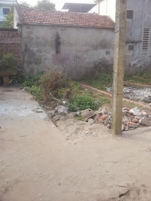 Bán đất tại làng Nha. DT 40m2. Giá 950tr. Ngõ 2,5m