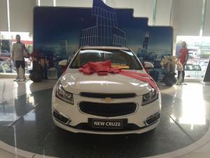 Bán xe Cruze LTZ 2017 màu trắng, giảm 40 triệu , hỗ trợ ngân hàng 100% , không thế chấp - giao xe liền