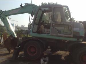 Máy xúc đào Kobelco SK100W giảm giá đặc biệt