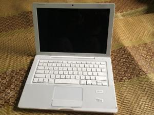 Macbook OS X 3,1 - Intel Core 2 DUO Năm 2008 - USA