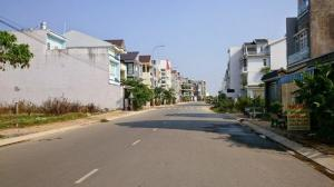 Cần tiền kinh doanh bán gấp miếng đất 2 mặt tiền, 2,6tr/m2 chợ Tân Phươc Khánh, sổ hồng,sổ riêng.