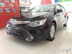 Khuyến Mãi Toyota Camry 2.0E 2017 Màu Đen, Mua Trả Góp Chỉ Cần 250Tr. Vay 8 năm. Giao Xe Ngay