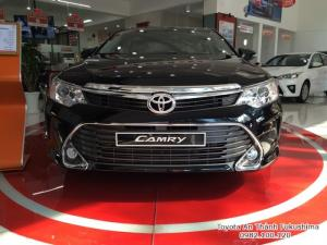 Khuyến Mãi Toyota Camry 2.5Q 2017 Màu Đen, Mua Trả Góp Chỉ Cần 300Tr. Vay 8 năm.