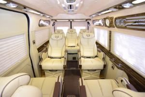 Bán Xe Ford Dcar Limousine Phiên Bản Mới Năm 2018